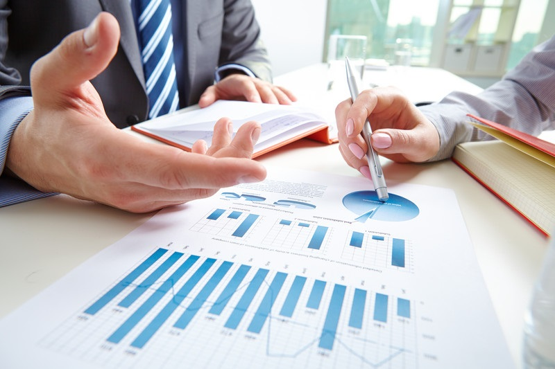 Why Your Sales Metrics May Be Wasting Your Time - Janice Mars, SalesLatitude