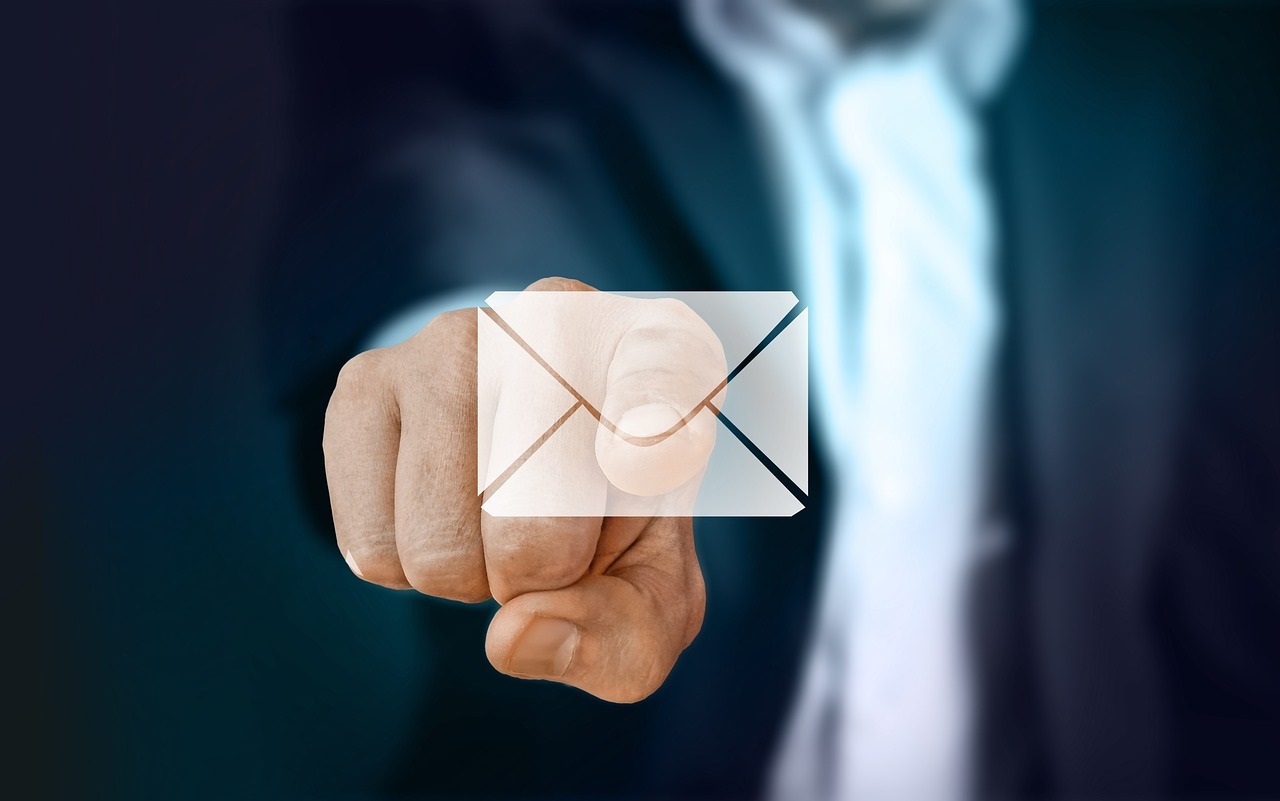 Why I Hate the High Pressured Mass Email Tactic - Janice Mars, SalesLatitude